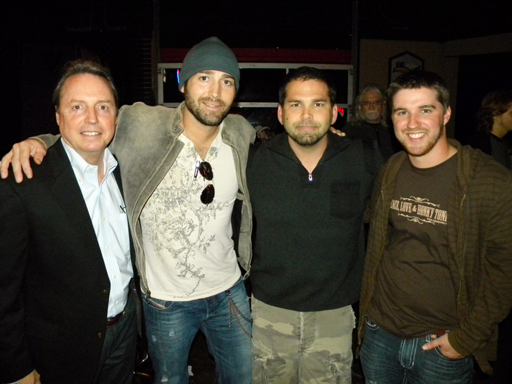 Josh Thompson celebrates the success of song he co wrote  : bbr thompson from www.allaccess.com size 747 x 560 jpeg 134kB