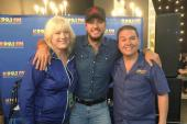 Luke Bryan Gears Up For 'CMA Awards'