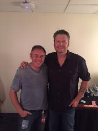Blake Shelton Poses With WNOE/New Orleans PD David Dean