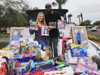 Jordan Davis Helps WWKA/Orlando Collect For 'Boatload Of Toys'