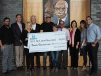 Rodney Atkins Gives Back