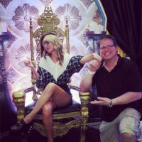 Taylor Swift Hangs With Country Radio Friends In Philadelphia